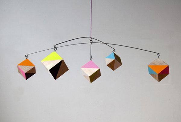 Giostrina per culla con cubi colorati
