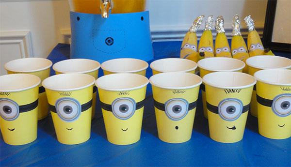 Bicchieri con decorazioni dei Minions