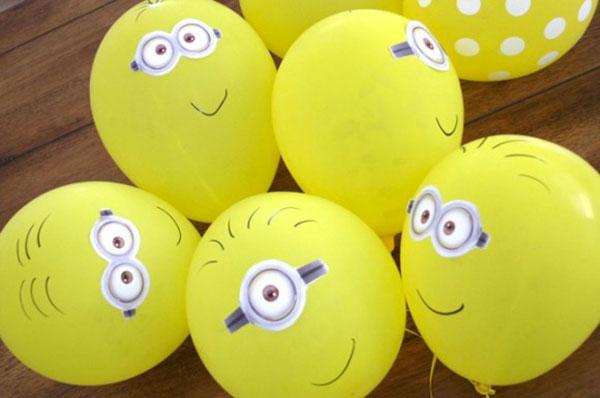 Palloncini con decorazioni dei Minions