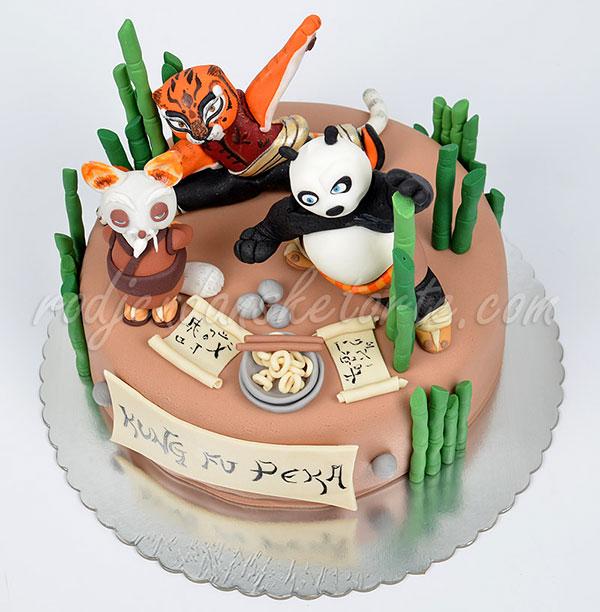 Torta di Kung Fu Panda con decorazioni in pasta di zucchero n.19