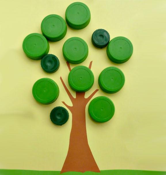 Come creare un albero con tappi di plastica