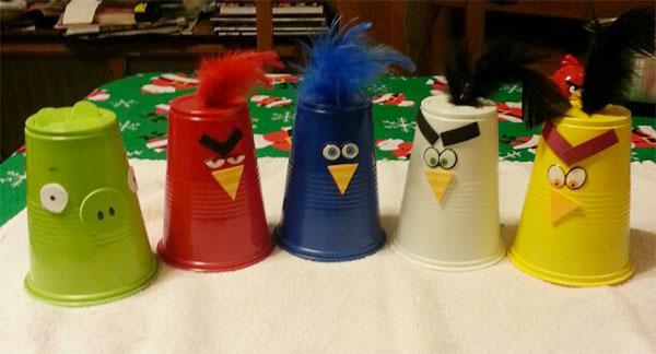 Come creare degli Angry Birds usando dei bicchieri di plastica