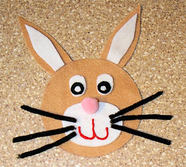 Come creare un coniglio con CD riciclati