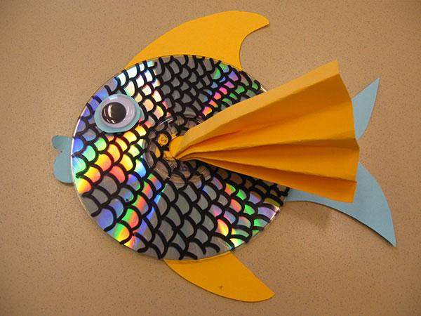 Come creare un pesce con CD riciclati