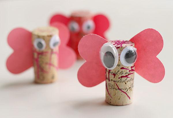 Come creare delle farfalle con tappi di sughero