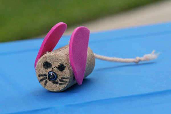 Come creare un topolino con tappi di sughero