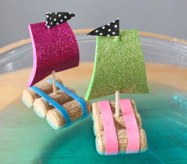 Come creare delle zattere con tappi di sughero