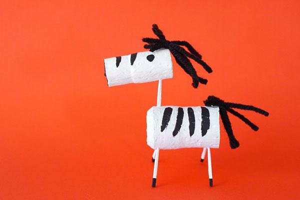 Come creare una zebra con tappi di sughero