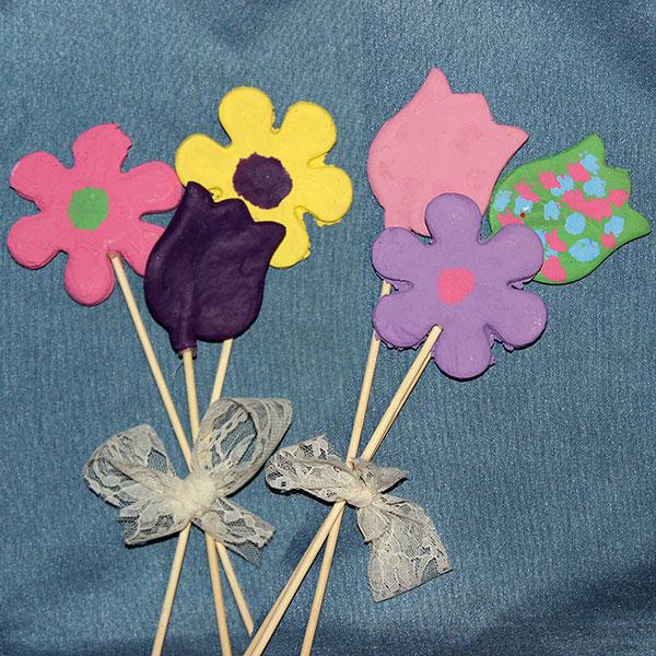 Come creare dei fiori con la pasta di sale