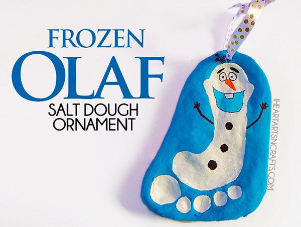 Olaf creato con l'impronta del piede su pasta di sale