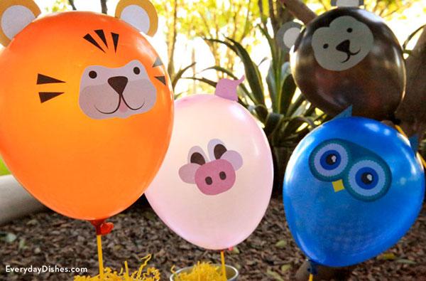 Vari animali creati con palloncini