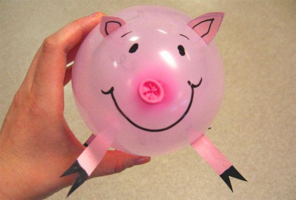 Maiale creato con palloncini