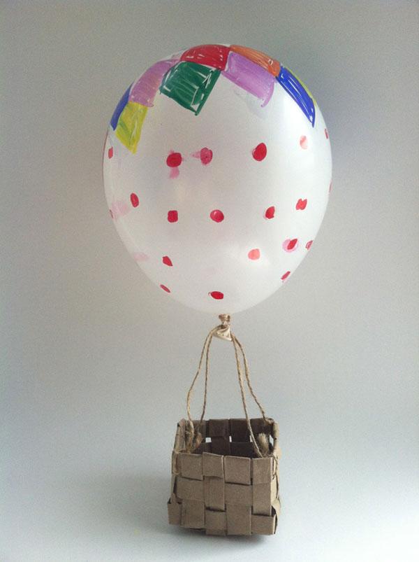 Mongolfiera creata con palloncini