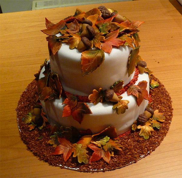 Torta autunnale in pasta di zucchero n.18