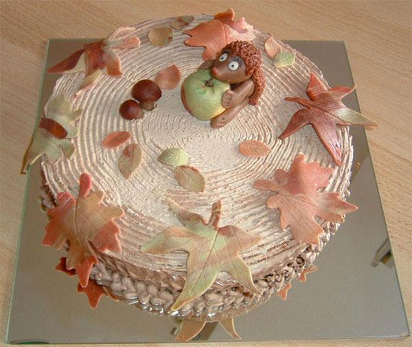 Torta autunnale in pasta di zucchero n.22