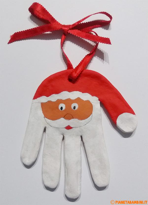 Babbo Natale creato con la pasta di sale come lavoretto per bambini