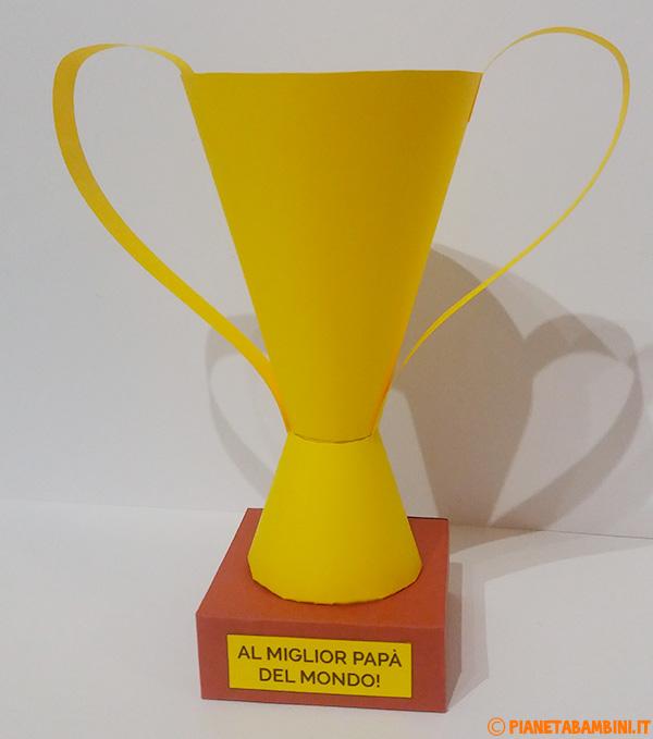 Coppa di cartoncino la creare con i bambini per la festa del papà