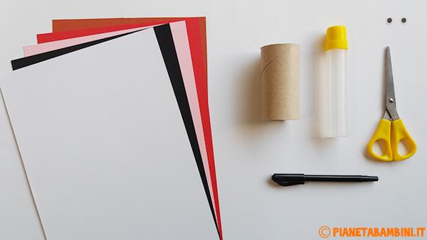 Occorrente per la creazione di Pulcinella con rotolo di carta e cartoncini