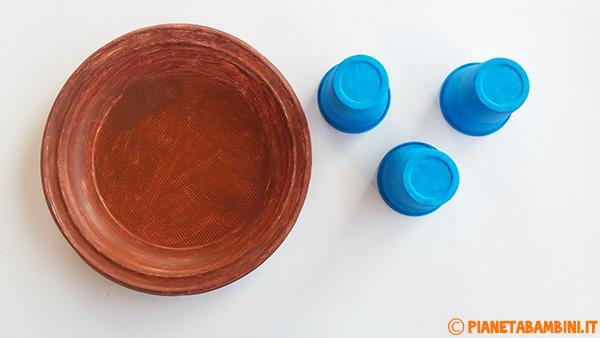 Come dipingere piatti e bicchieri per creare il lavoretto di primavera dedicati agli uccelli nel nido