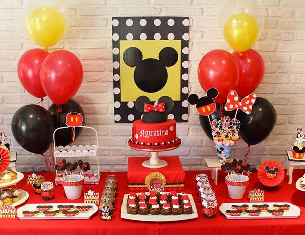 Idee per organizzare una festa a tema Topolino per bambini