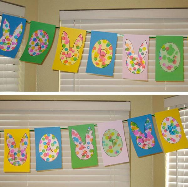Lavoretto di Pasqua per asilo nido: striscione con coniglietti ed uova colorate