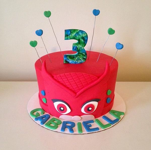 Torta dei PJ Masks con decorazioni in pasta di zucchero n.19