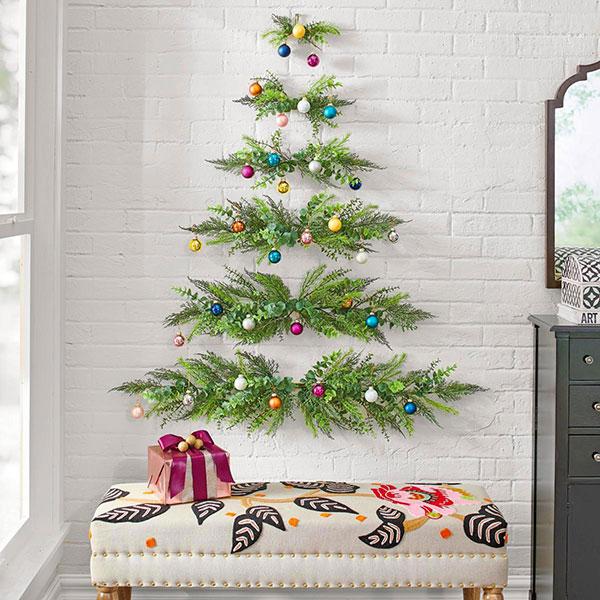 Albero di Natale murale con il vischio