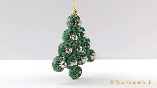 Lavoretto albero di Natale con pasta cruda