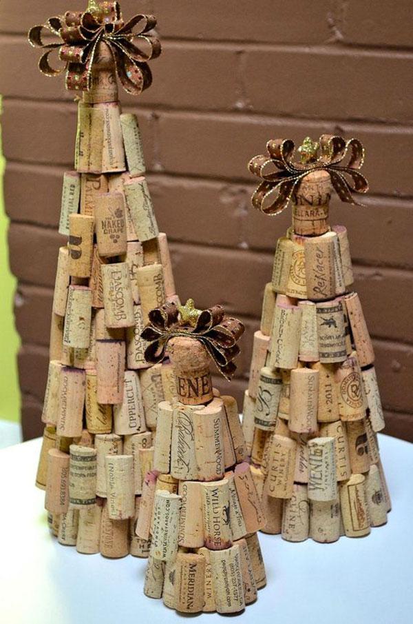 Modello di albero di Natale con tappi di sughero n.18