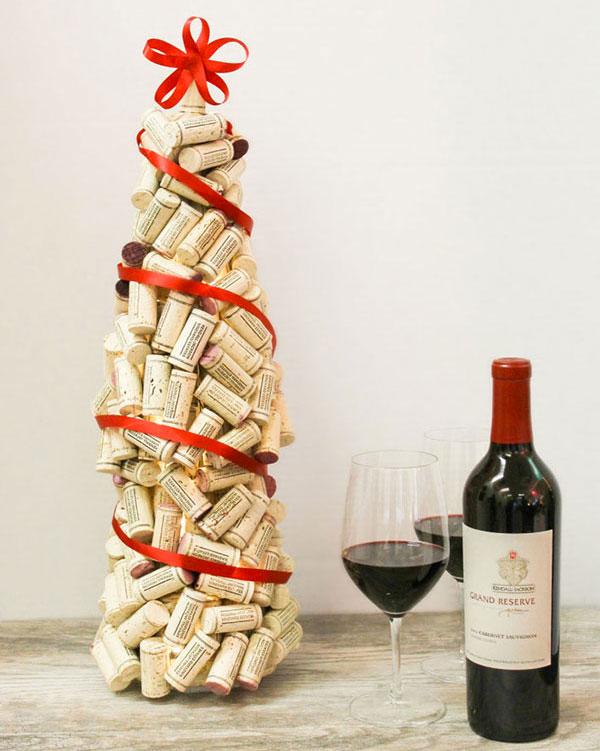 Modello di albero di Natale con tappi di sughero n.20