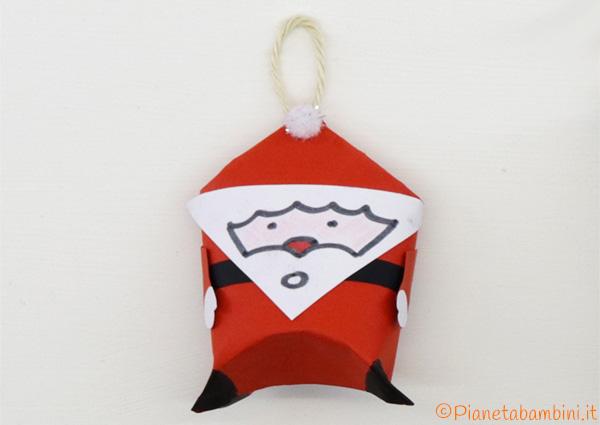 Versione di Babbo Natale con rotoli di carta n.1