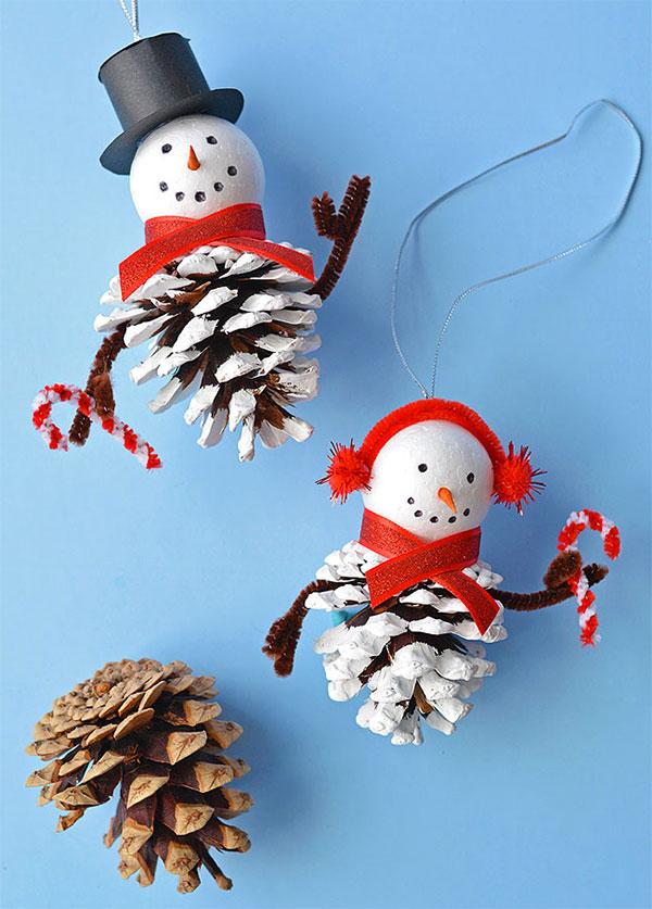 Idee per pupazzi di neve con le pigne