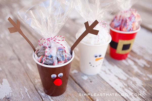 Idee per creare lavoretti ispirati ai simboli natalizi con bicchieri di carta