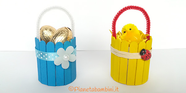 Come creare dei cestini pasquali con bastoncini da gelato con i bambini