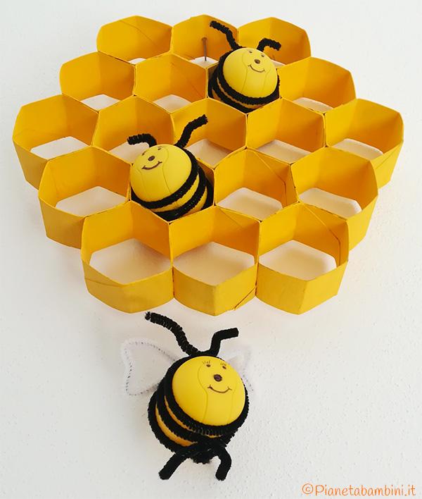 Lavoretto per bambini dedicato alle api e al loro alveare