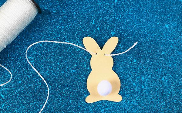Come inserire lo spago ai coniglietti