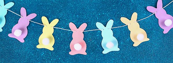 Striscione con coniglietti e pon pon