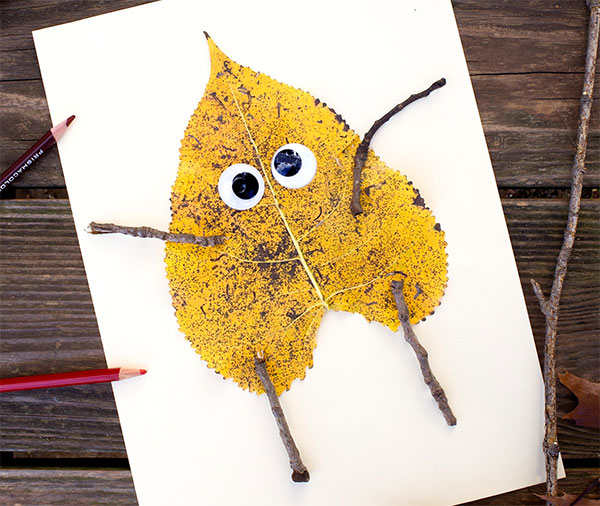 Lavoretto d'autunno creazioni con foglie autunnali