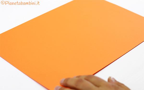 Come creare i biglietti di Halloween con impronta della mano