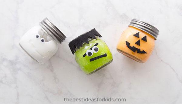 Idee per personaggi di Halloween con barattoli di vetro