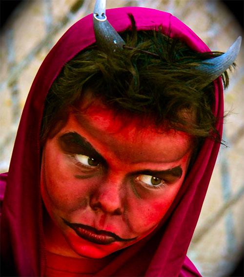 Trucco di Halloween da diavolo n.5