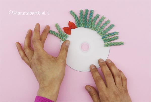 Come creare i capelli al pagliaccio con pasta alimentare
