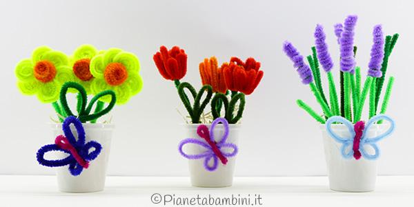 Fiori di primavera con scovolini