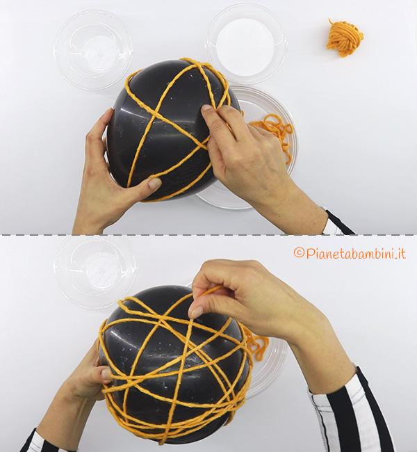 Come avvolgere il filo sul palloncino per creare la zucca