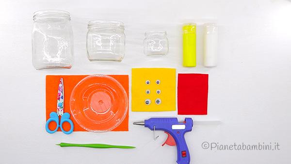 Occorrente per creare i pulcini con barattoli di vetro