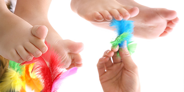 Gioco della piuma per neonati